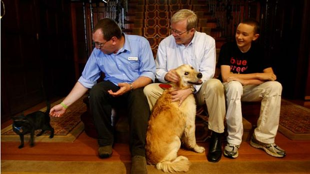 Happier times in The Lodge...Kevin Rudd with Abby and Jasper.