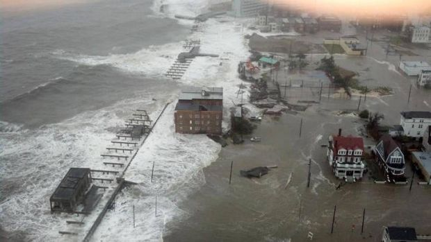 Atlantic City bears the brunt as hurricane Sandy hits land.
