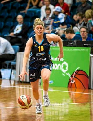 Canberra Capitals' Nicole Hunt is up there with the best point guards, Lauren Jackson says.