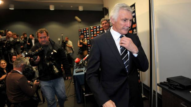 Carlton coach Mick Malthouse says Israel Folau's decision to walk away early from AFL was a 'no-brainer'.