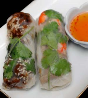 Rice paper rolls at Roll'd.