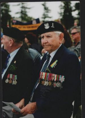 Frank Kustra, a former Polish WW2 soldier during the Anzac Day commemoration at the Australian War Memorial in 2009.