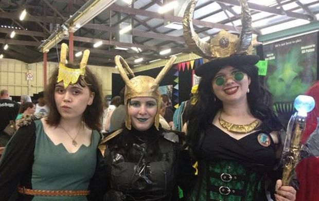 Shantel, Nicole and Suzanne as an army of Lokis!