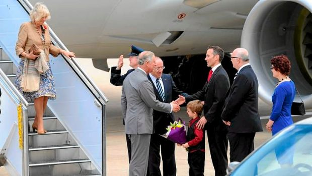 Prince Charles meets Andrew Leigh MP, representing the Government, with his 5-year-old son, Sebastian.