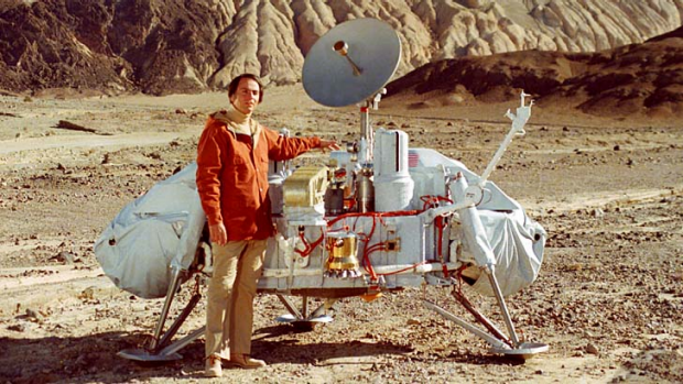 Carl Sagan with the Viking lander in Death Valley, California.