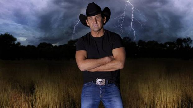 Lee Kernaghan will support Dwight Yoakam in Canberra tonight.