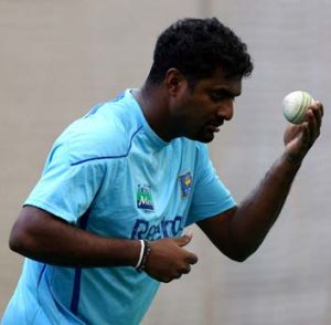 Muthiah Muralidaran's appearance in the derby against Shane Warne's Melbourne Stars will be the first meeting of the ...