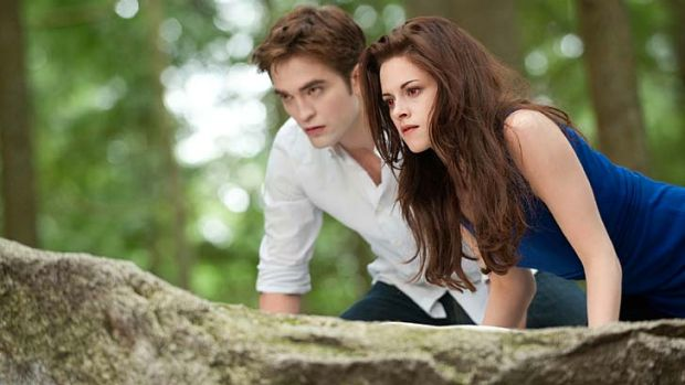 Bella and Edward on the hunt ... for a decent plot.