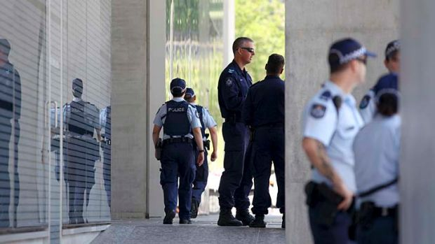 Police investigate a bomb threat at the Brisbane Supreme and District Court.