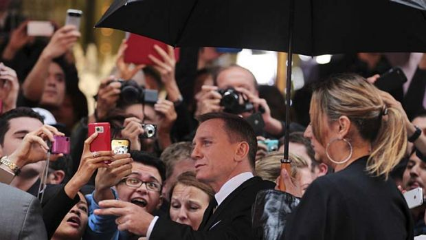 Licensed to thrill … Daniel Craig meets Sydney fans.