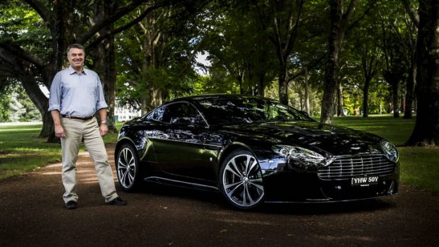 Ian Lindgren with his Aston Martin V12 Vantage in Parkes.