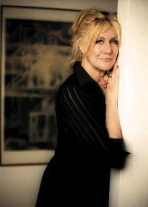 Local talent ... Renee Geyer performs at the Kings Cross Festival.