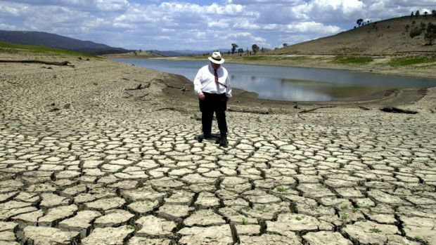 The ACT Government believes the Murray Darling Basin plan will secure the territory's water future, and avoid scenes ...