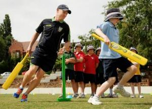 Brad Haddin has a run with Canberra Grammar students.
