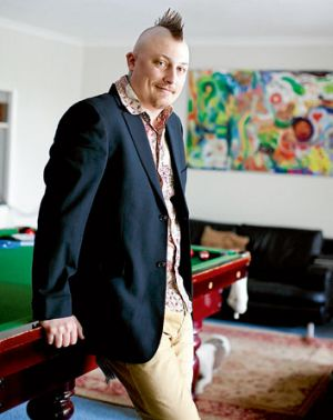 Ben wears a Morrissey blazer, shirt from Arthur Galan and trousers from Honor Among Thieves.
