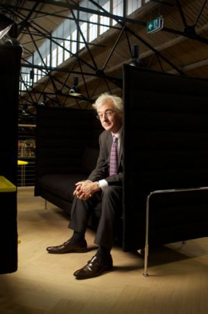 John Makinson will be the chairman of the new Penguin Random House.