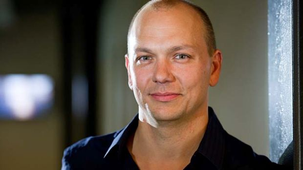 Tony Fadell will now lead up development of Glass.