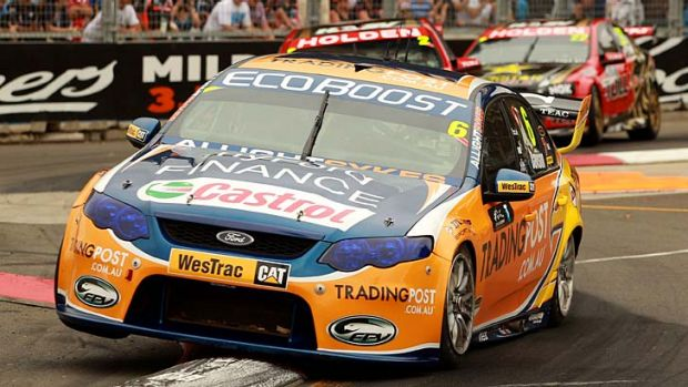 Will Davison pushes his car to the limit during the Sydney 500.