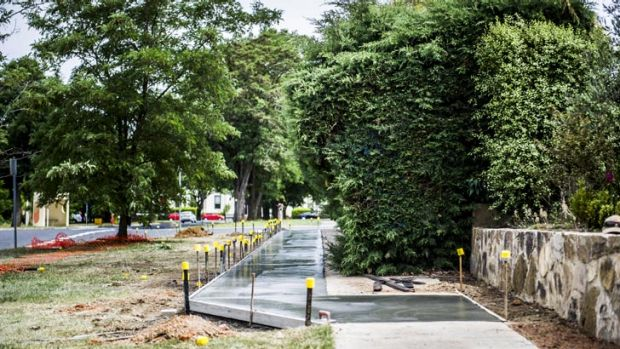 New footpath construction to go around a hedge along Gooreen and Chapman Streets, Braddon,
