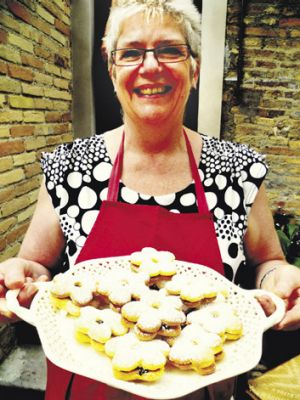 Luiciana Maci hosts The Italian Christmas Baking Class.