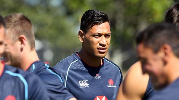 Code-hopper ... Israel Folau at NSW Waratahs training last year.