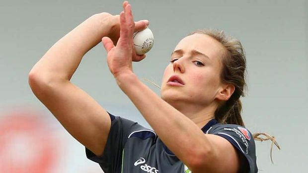 Back in the nets … Ellyse Perry at a training session on Tuesday.