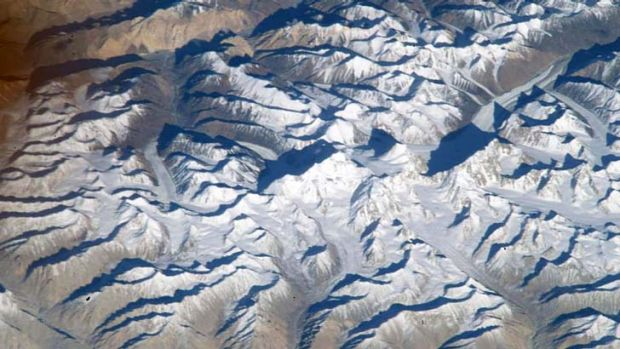 Not Everest ... this mountain, originally claimed by NASA to be Everest, is actually Saser Muztagh, in the Karakoram ...