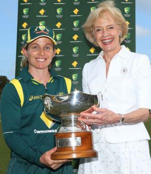 Governor-General Quentin Bryce and Australian captain Jodie Fields pose with the Rose Bowl after Australia won game four ...