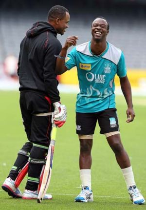 Marlon Samuels (left) and Kemar Roach.