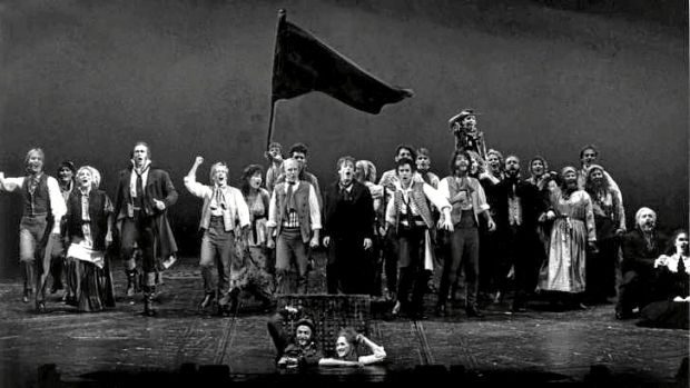 Les Miserables at the Theatre Royal 25 September 1987. Standing Ovation: The Cast of Les Miserables after their triumph. ...