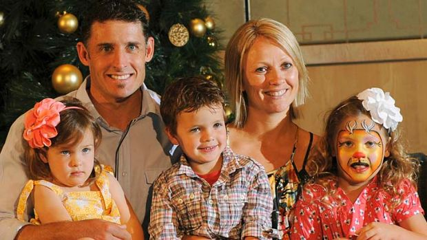 Mike Hussey with wife ife Amy and children Jasmine , William and Molly in 2009.