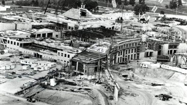 Growing pains ... The new Parliament House under construction in 1984. Industrial strife and lack of skilled labour ...