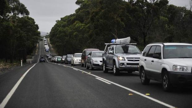 Cars that were part of the 15-kilometre queue outside Ulladulla on Wednesday.