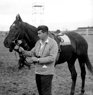 Bargain buy ... Bart Cummings with 1967 Melbourne Cup winner Red Handed. <em>Photo: Supplied</em>