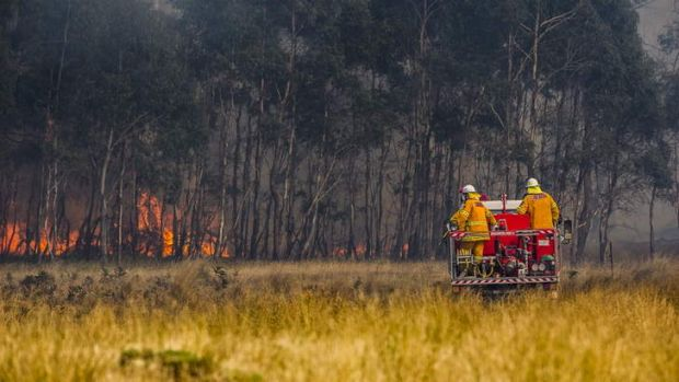 Crews work to contain fires near Bungendore.