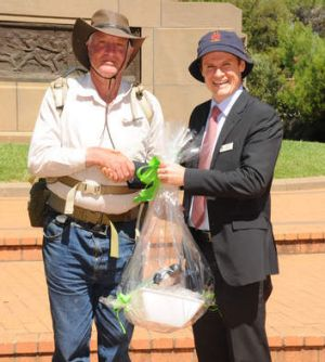 Malcolm Brown with the mayor of Dubbo, Mathew Dickerson.