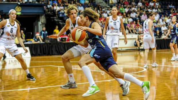 Canberra Capitals skipper Jess Bibby in action.
