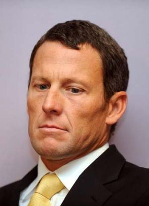"""Deserves"" to return to cycling ... Lance Armstrong."