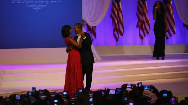 Barack and Michelle dance together at the inauguration ball to the sounds of Jennifer Hudson.