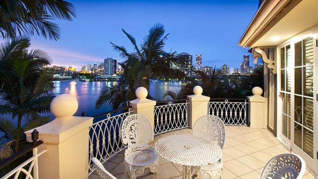 Well known riverfront home The Moorings at New Farm has sold for a rumoured $4.5 million. <a ...