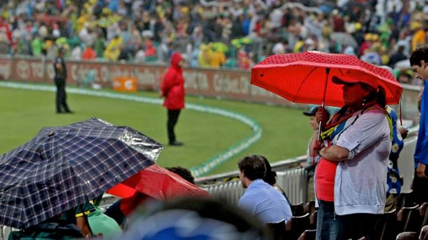 Rain, rain, go away ... light drizzle caused the abandonment of play in Australia's one-dayer against Sri Lanka.