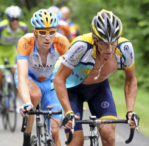 Rivalry ... Lance Armstrong leads Bradley Wiggins in the 2009 Tour de France.