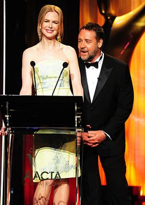 Nicole Kidman shares the stage with Crowe.