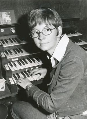 June Nixon is retiring after 40 years as choir director and organist at St Paul's Cathedral.