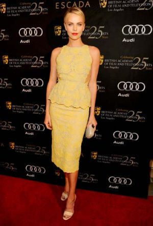 Sunny ... Charlize Theron proves that some fashion rules were made to be broken.