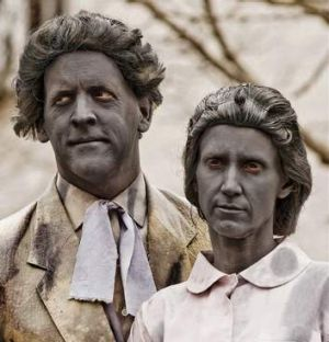 Two actors pose as Walter Burley Griffin and Marion Mahony Griffin in a lookalike competition at King O'Malley's pub.