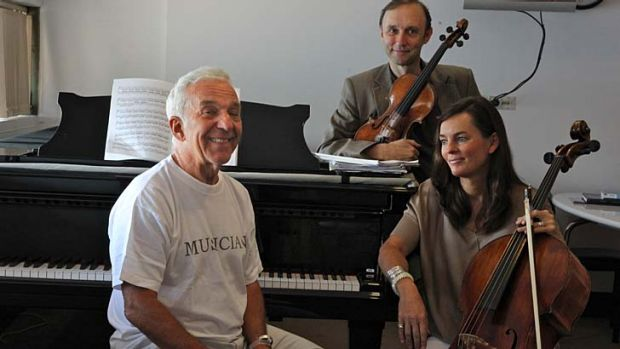Pack a jumper ... Vladimir Ashkenazy with the Sydney Symphony principal cellist Catherine Hewgill and the co-concert ...