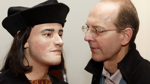 Any likeness? ... Michael Ibsen, right, a descendant of England's King Richard III, poses with a plastic model made from ...