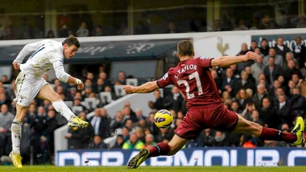 Gareth Bale's two goals for Tottenham gave the London club victory over Newcastle.