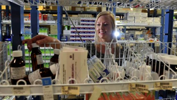 Canberra Uni has established an undergraduate pharmacy degree. Melissa Cowley,24 of Latham a former pharmacy assistant ...